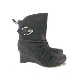 Earthies Chelsea Women 8B Black Ruched Boot 261-5